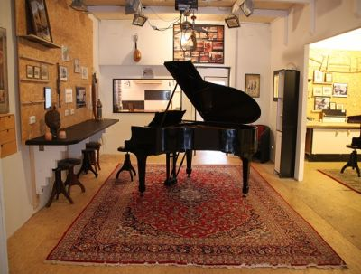 "In the beautiful pianosalon ""Die Stimmgabel"" classical musicians can practise, concert and teach, Mannheim-Germany"