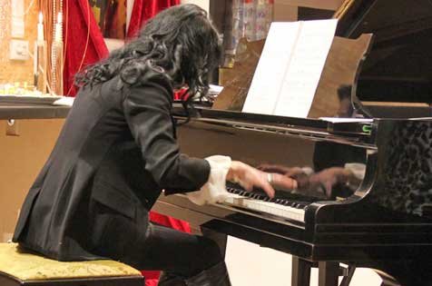 "Teach, practise and perform in the pianosalon ""Die Stimmgabel"" in Mannheim-city centre, Germany"
